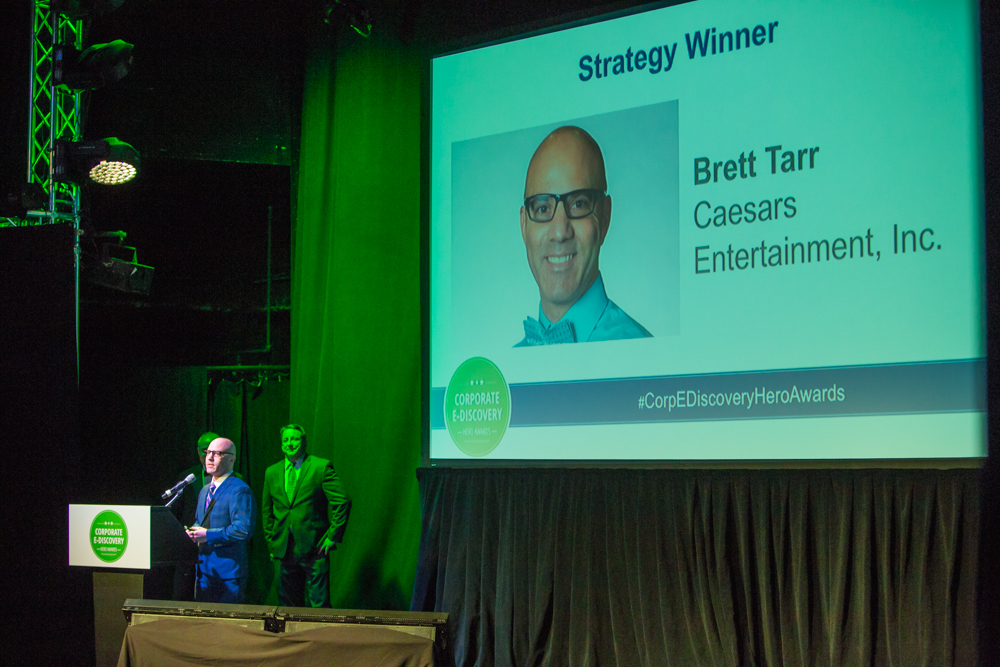 Brett Tarr of Caesars Entertainment accepts 2017 Corporate Ediscovery Hero Award for Strategy